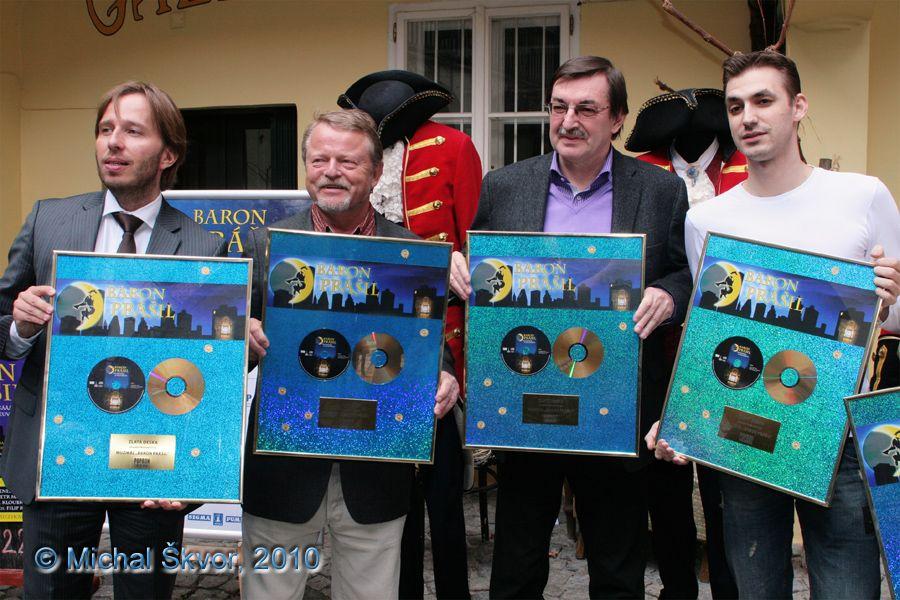 http://www.musicalnet.cz/images/Muzikaly/foto/BaronPrasil/ZlataDeska/MS10C-021583.jpg