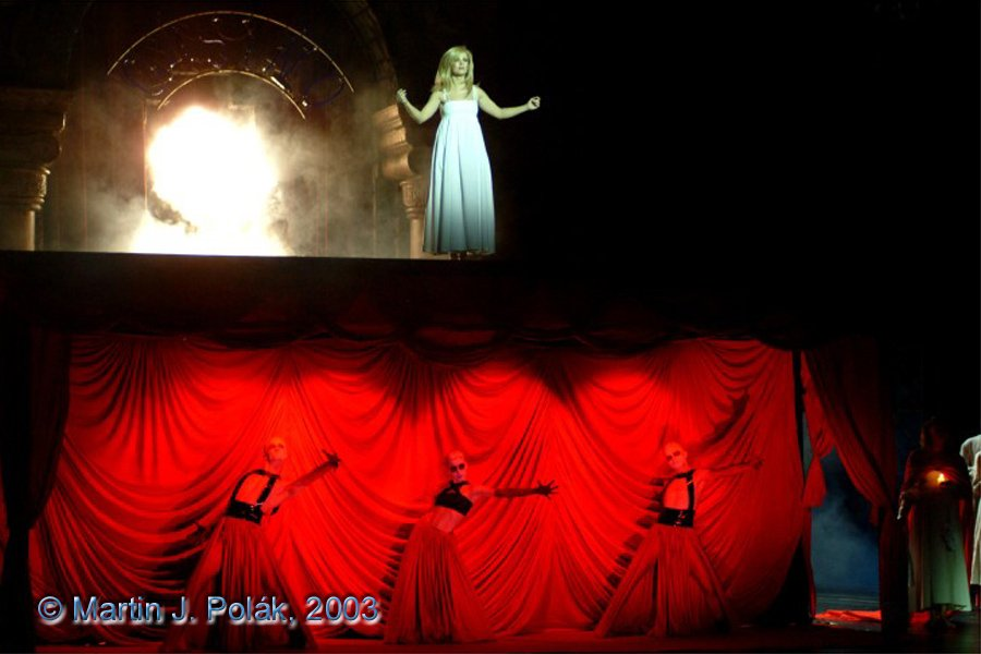 http://www.musicalnet.cz/images/Muzikaly/foto/Dracula/DSCF0714.jpg