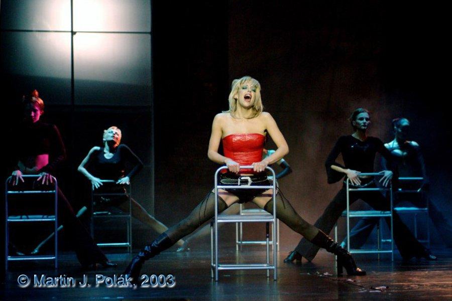 http://www.musicalnet.cz/images/Muzikaly/foto/Dracula/DSCF1014.jpg