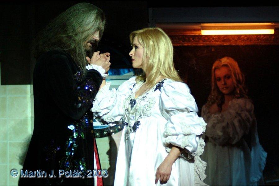 http://www.musicalnet.cz/images/Muzikaly/foto/Dracula/DSCF8422.jpg