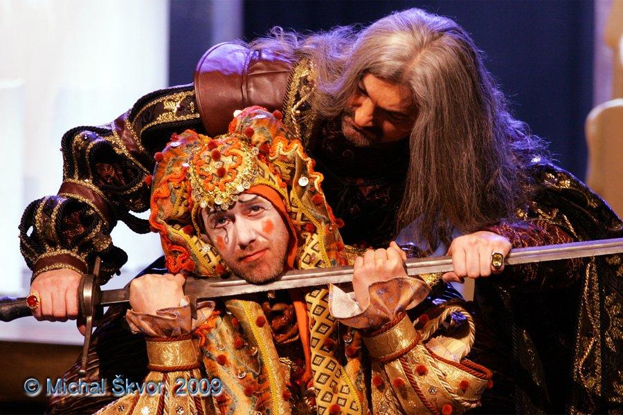 http://www.musicalnet.cz/images/Muzikaly/foto/Dracula/MS09C-002665.jpg