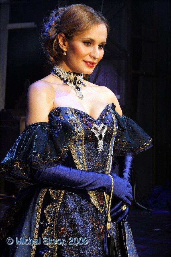 http://www.musicalnet.cz/images/Muzikaly/foto/Dracula/MS09C-004050.jpg