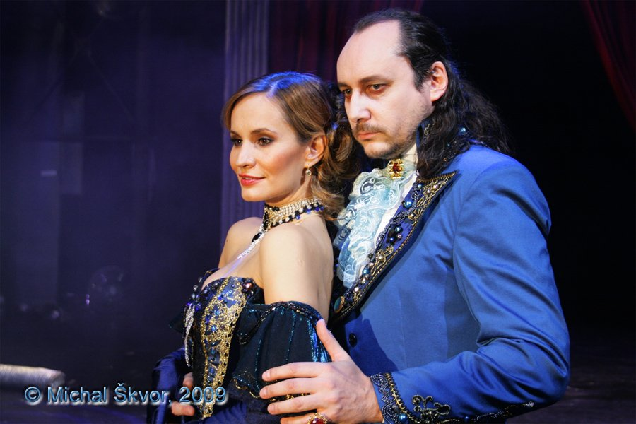 http://www.musicalnet.cz/images/Muzikaly/foto/Dracula/MS09C-004237.jpg