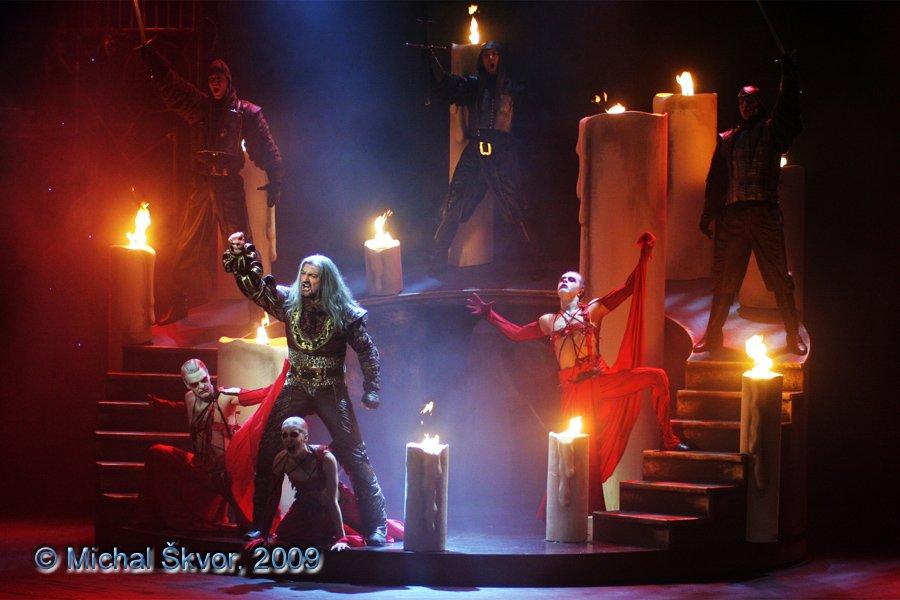 http://www.musicalnet.cz/images/Muzikaly/foto/Dracula/MS09C-006998.jpg