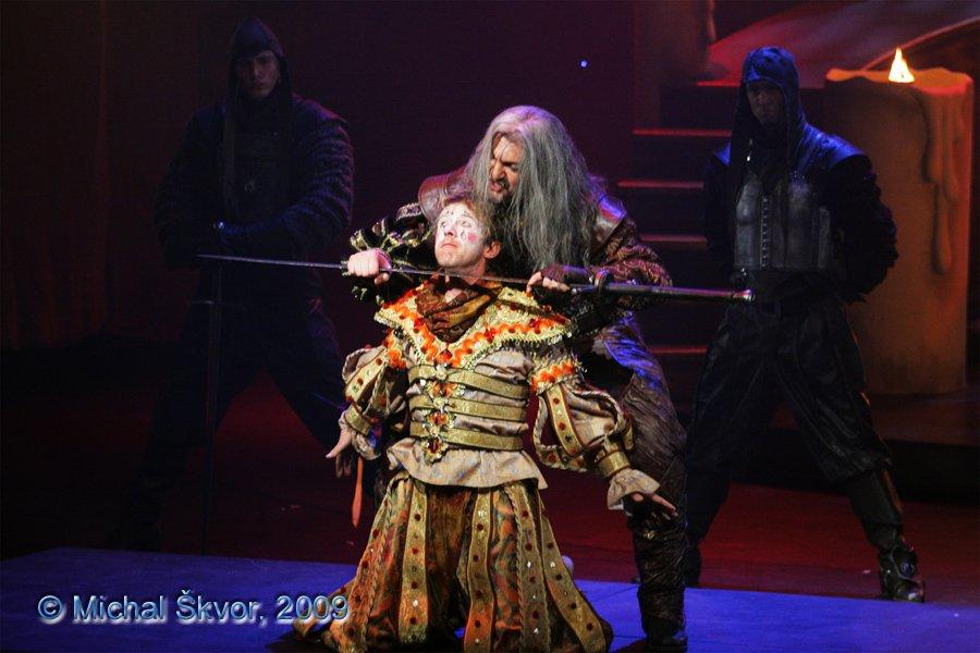 http://www.musicalnet.cz/images/Muzikaly/foto/Dracula/MS09C-007003.jpg