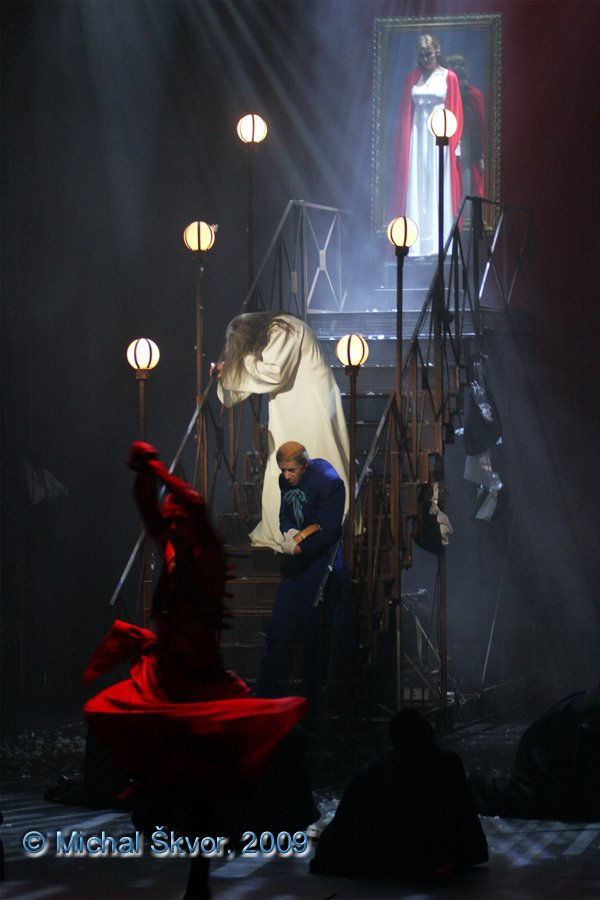 http://www.musicalnet.cz/images/Muzikaly/foto/Dracula/MS09C-007395.jpg