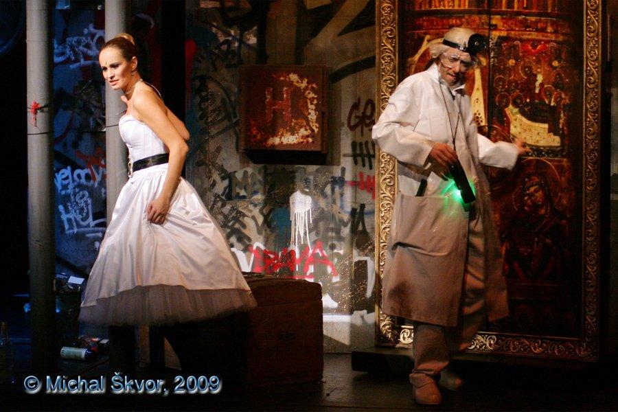 http://www.musicalnet.cz/images/Muzikaly/foto/Dracula/MS09C-007473.jpg