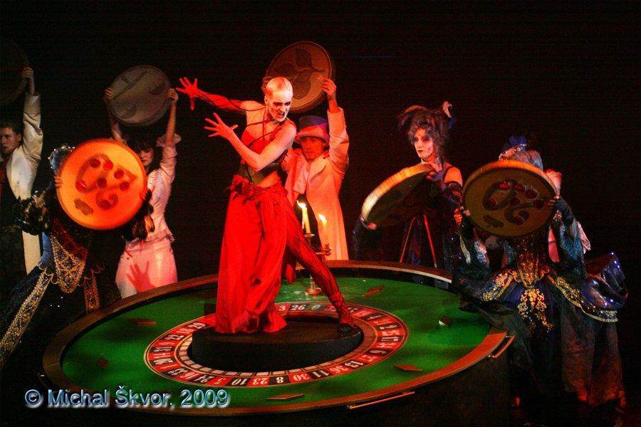 http://www.musicalnet.cz/images/Muzikaly/foto/Dracula/MS09C-007539.jpg