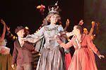 S Mary se začínají dít zázraky, v parku ožívají sochy a děti tančí s královnou Viktorií